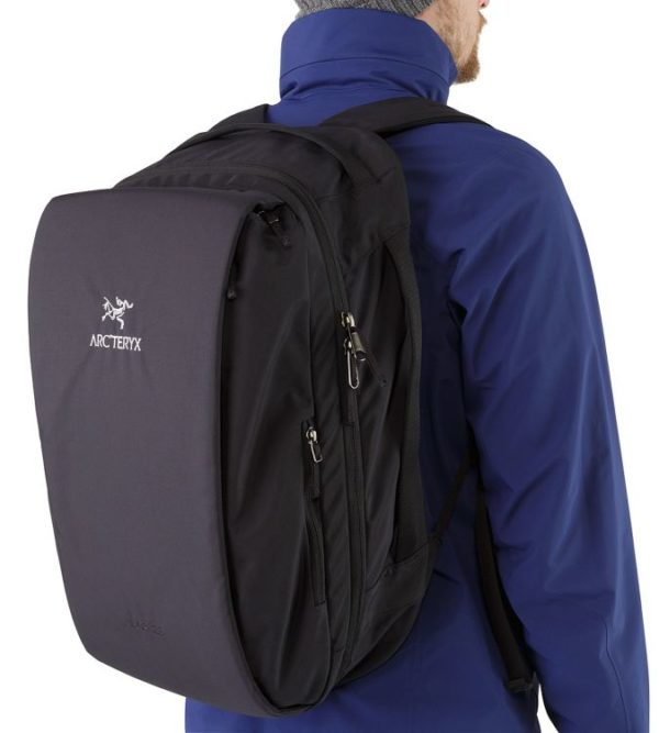 LEAF_Program_ARCTERYX_Blade_28_Backpack_Black_Side_Access_Zipper