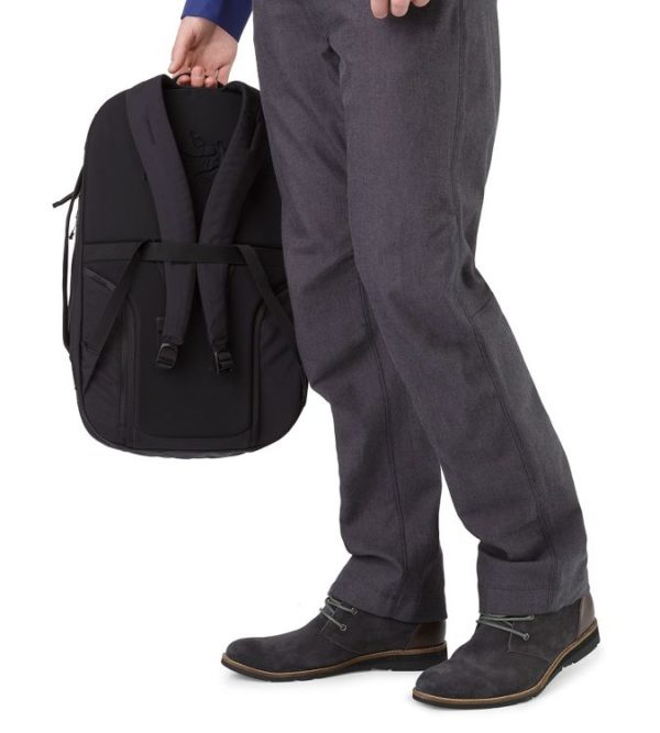 LEAF_Program_ARCTERYX_Blade_28_Backpack_Black_Top_Handle